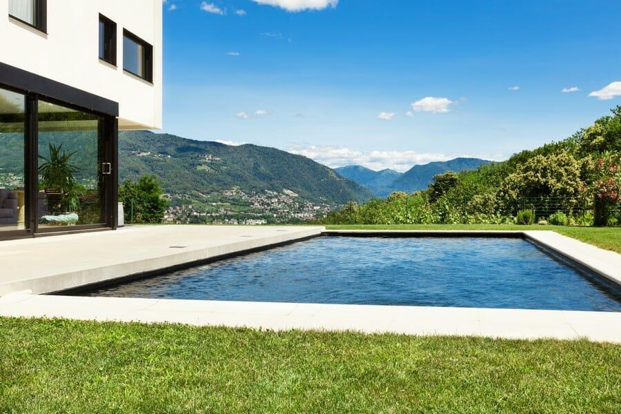 Vonkajší bazén - Investícia presahujúca možnosti Vašej záhrady