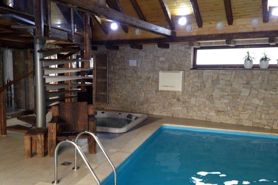 Prečo sa oplatí investovať do odvlhčovača pre vnútorný bazén a wellness